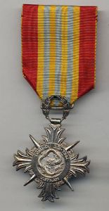 v24b-south-vietnam-honor-medal-armed-forces-2nd-class-medal-in-country-made-1b54ed53275ff4e36e2d84247b626beb
